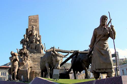 şerife bacı anıtı