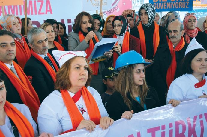 ak parti kadınlar günü basın açıklaması