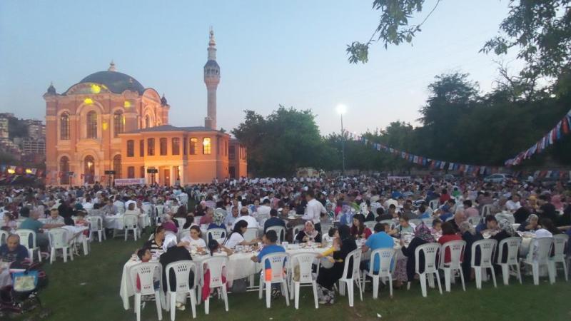 AK Parti Kagithane vefa iftarı