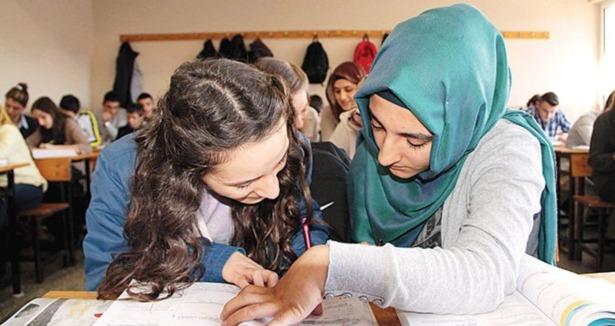 Ortaöğretimde başörtüsü serbest