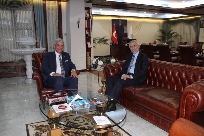 Bakan Volkan Bozkır Başkan Fazlı Kılıç'ı Ziyaret Etti