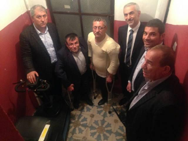 Kağıthane'de Engelli Vatandaşlara Akülü Araba Hediye Edildi