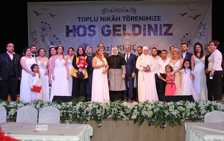 Resmi Nikahı Olmayan 11 Roman Çifti Çocuklarıyla Beraber Nikah kıydırdılar