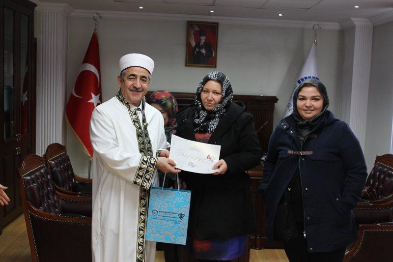 Bulgaristan Asıllı Ilyona Valcheva Müslüman Oldu