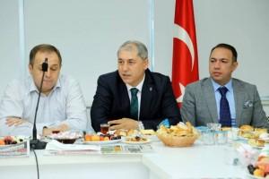 Siyasi Partiler Bayramlaştı AK Parti İlçe Başkanı Faruk Gökkuş
