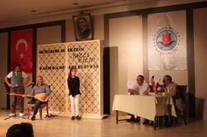 O Ses Türkiye Kağıthane Tiyatro Ekibi