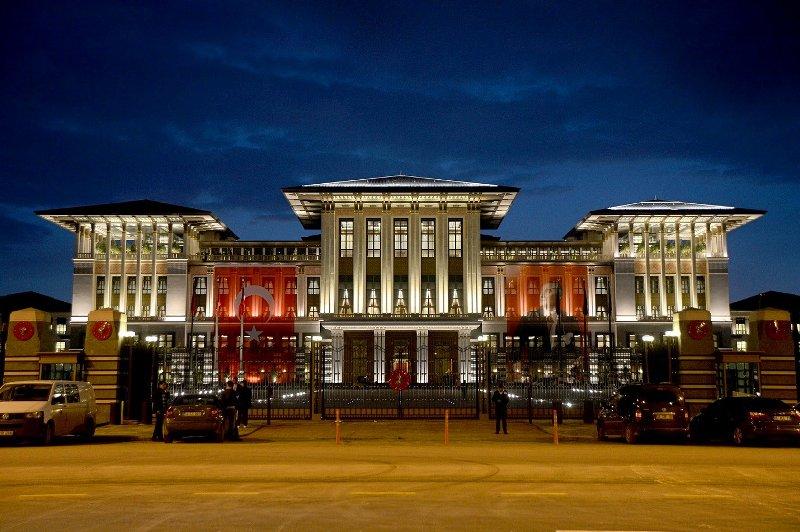 Yeni Türkiye Yeni Saray