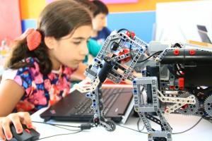 Robot Tasarım ve Programlama