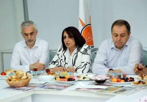 Siyasi Partiler Bayramlaşma AK Parti Kadın Kolları Başkanı Meryem Karaköse