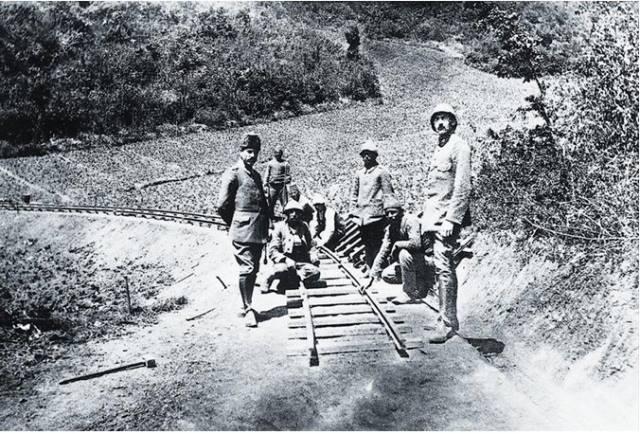 hattin-ilk-ayagi-16-subat-1914-tarihinde-insa-ediliyor